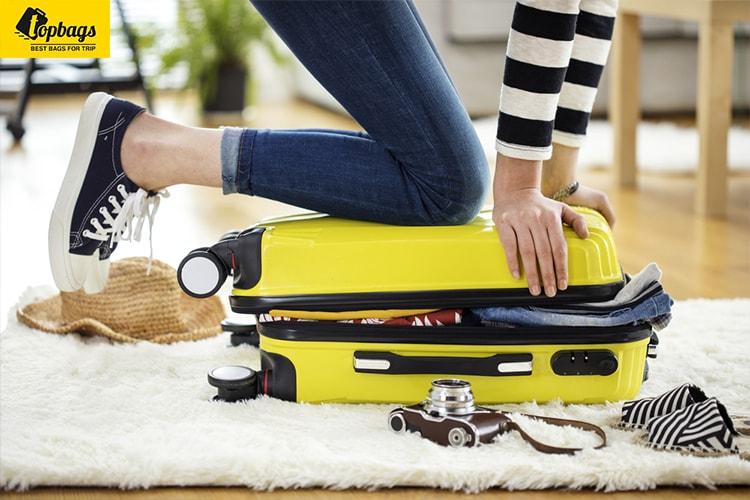 vali nhựa không thể nhồi nhét quá nhiều hành lý giống vali kéo vải-min